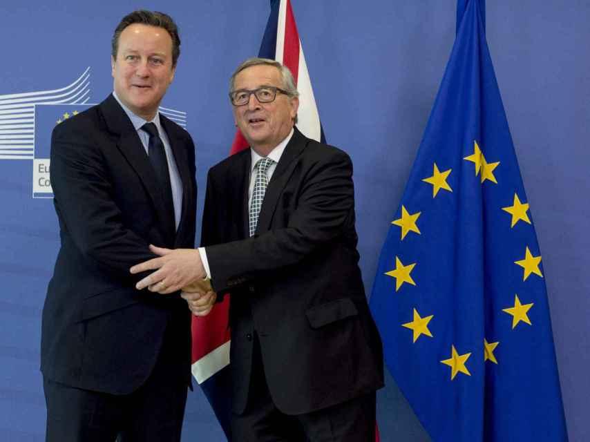 David Cameron y el presidente de la Comisión, Jean-Claude Juncker