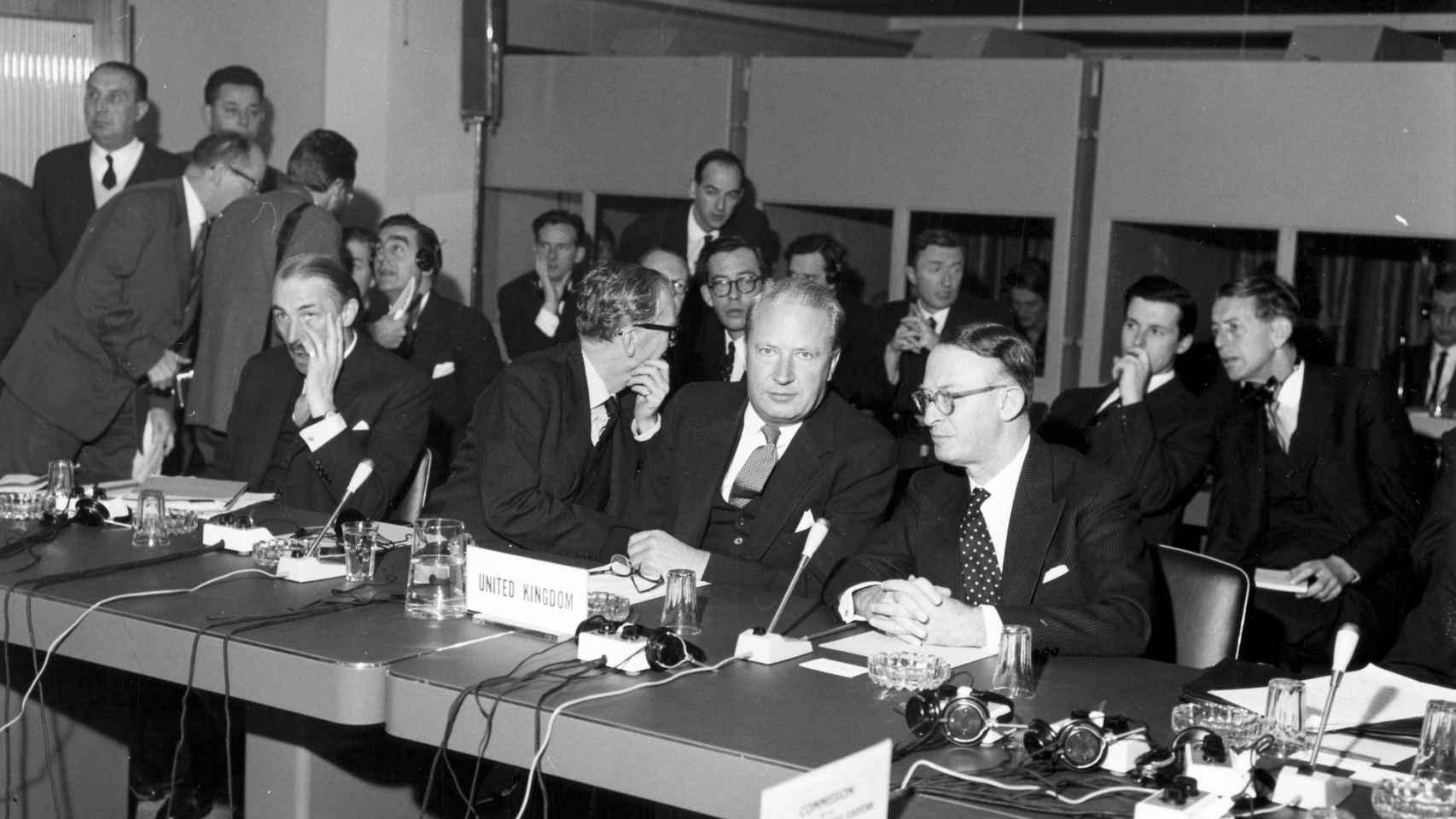 La delegación británica durante la apertura de negociaciones para entrar en la UE en 1961