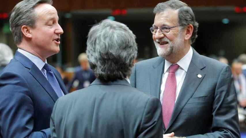 Rajoy le dice a Cameron que prevé nuevas elecciones el 26 de junio