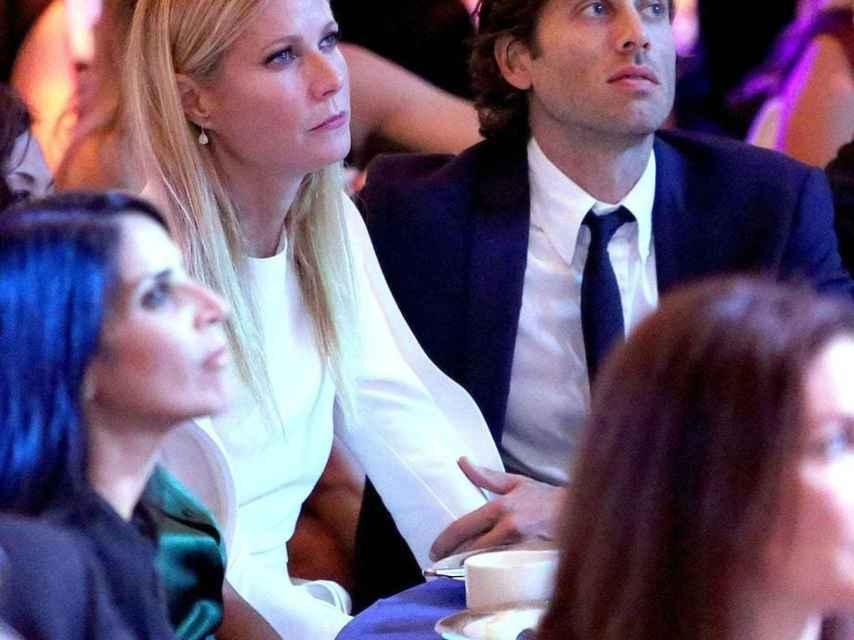 Gwyneth Paltrow junto a su nueva pareja Brad Falchuk