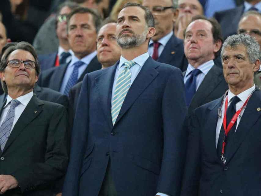 Artur Mas, Felipe VI e Íñigo Urkullu, en la final de la Copa del Rey