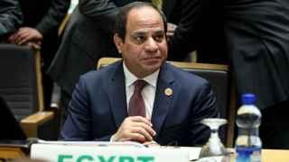 El presidente de Egipto, Abdelfatah al Sisi, gobierna en un país controlado por los militares.