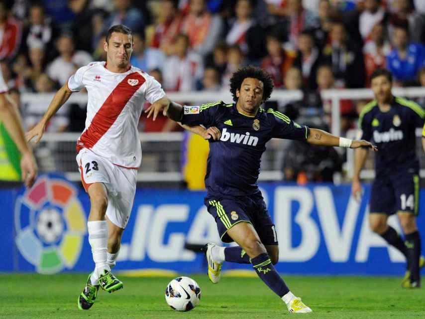 Delibasic juega contra el Real Madrid en la temporada 2012/13.