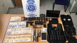 El arsenal incautado por la Policía al 'Equipo A'.