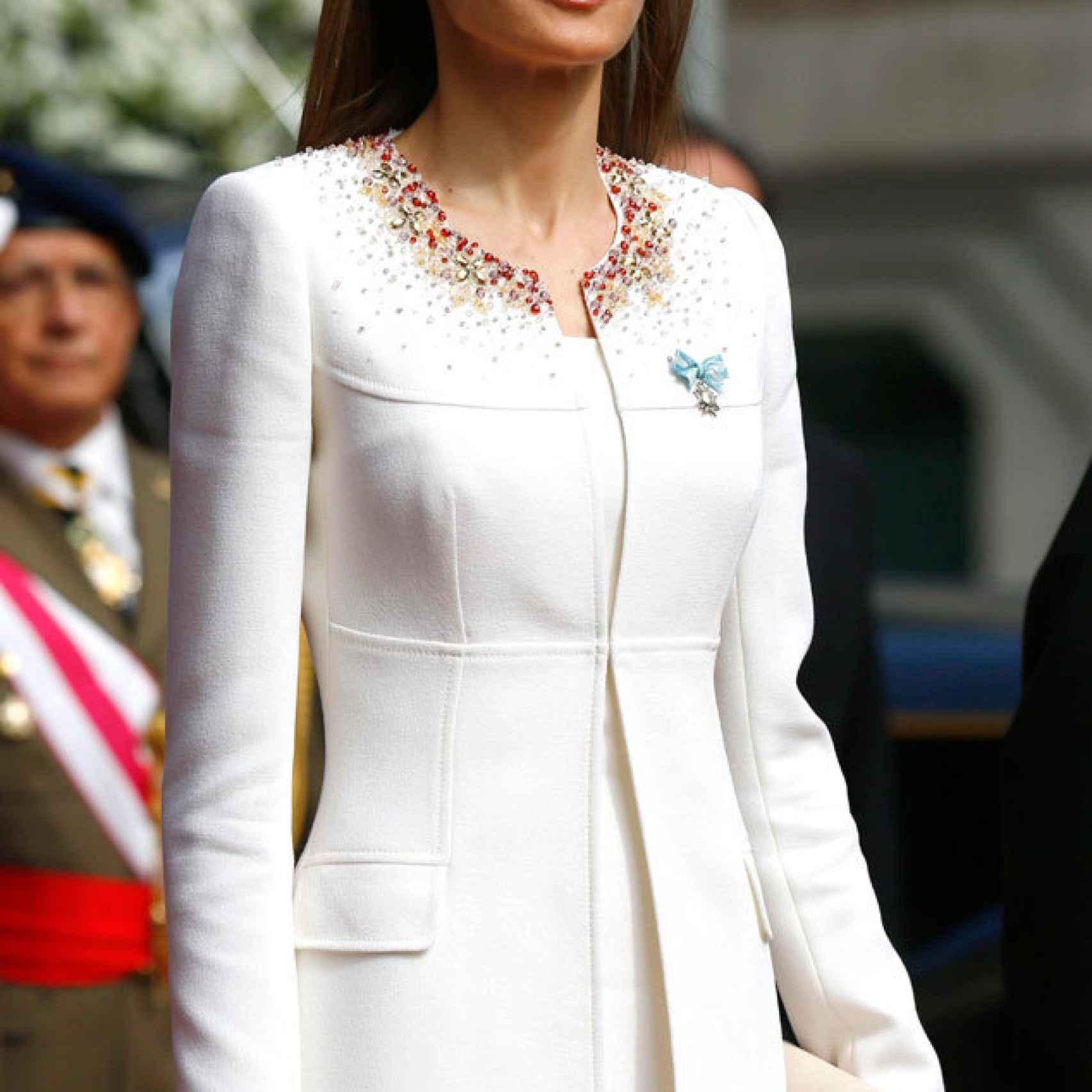 Felipe Varela elaboró entre otros, el traje de la Reina el día de la proclamación de Felipe VI.