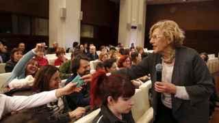 Manuela Carmena pone 60 millones de euros en manos de los ciudadanos