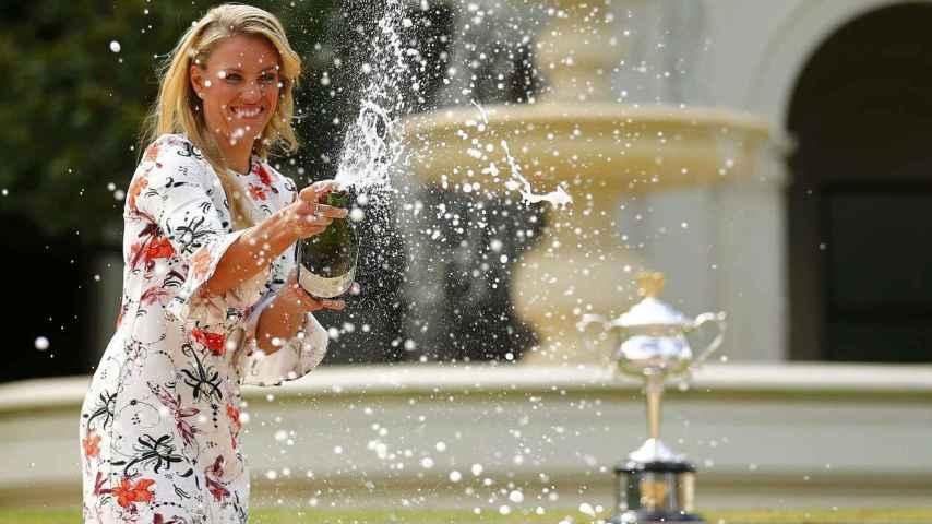 La alemana fue capaz de terminar en Australia con el dominio de Serena Williams.