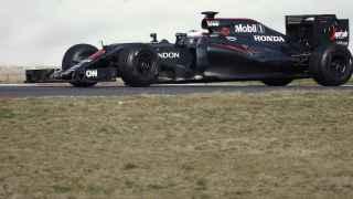 El McLaren de Jenson Button durante los entrenamientos en Montmeló.