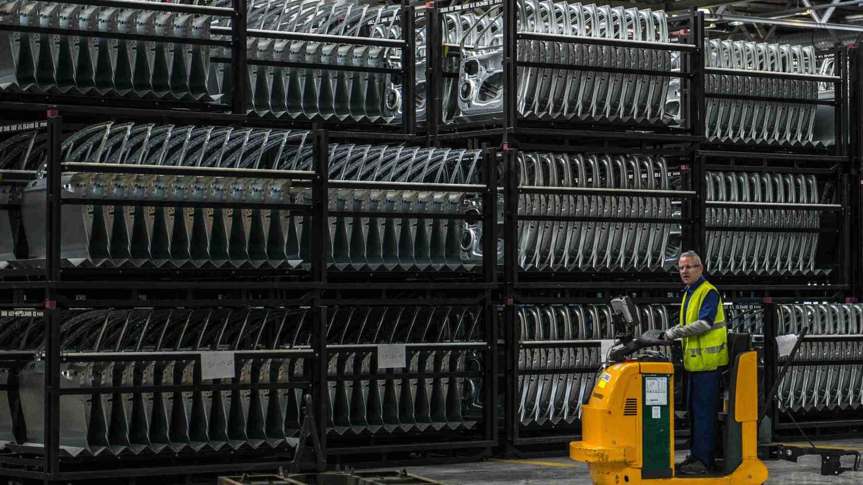 Empleado en la fábrica de Ford en Almussafes