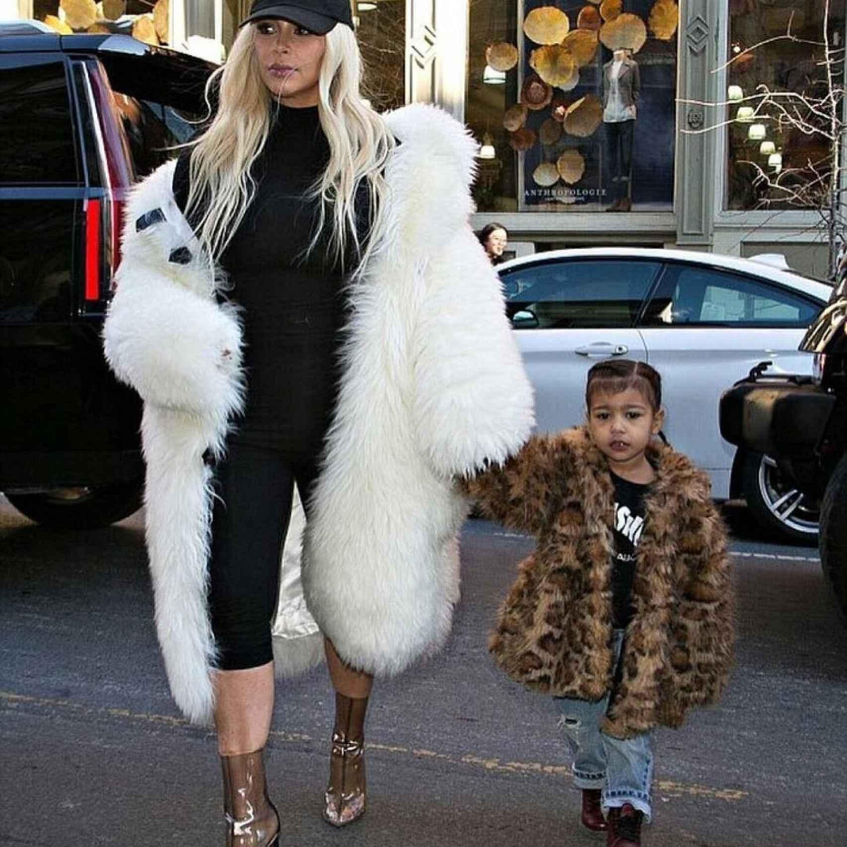 Kim Kardashian con North en el concierto de Kanye West