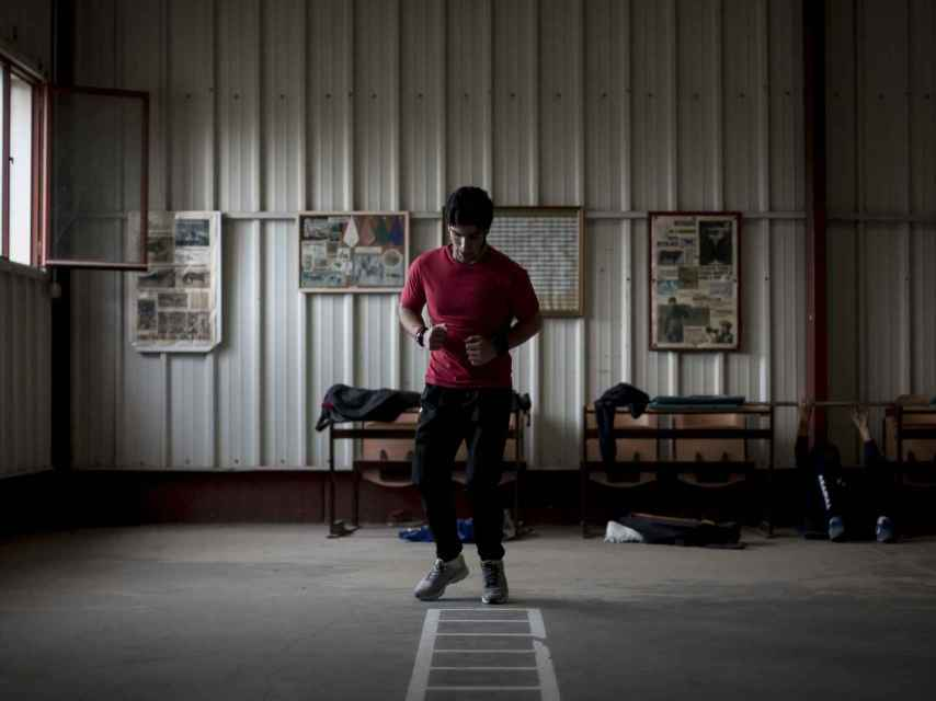 Un alumno durante la preparación física