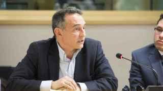El asesor jurídico de las FARC, Enrique Santiago, durante su intervención en la Eurocámara