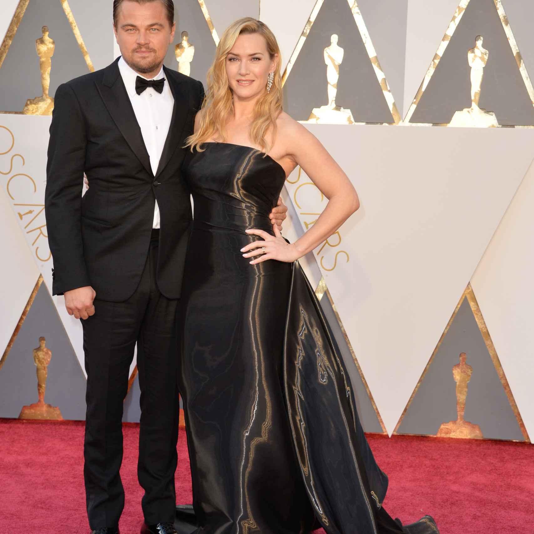 Kate Winslet de Ralph Lauren y Leonardo DiCaprio de Armani