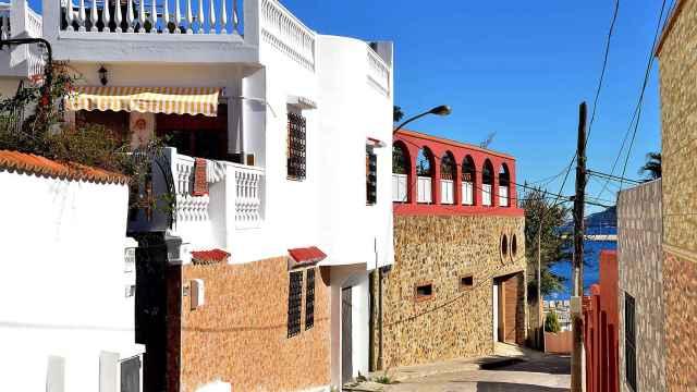 Imagen de una calle del barrio ceutí de El Príncipe.