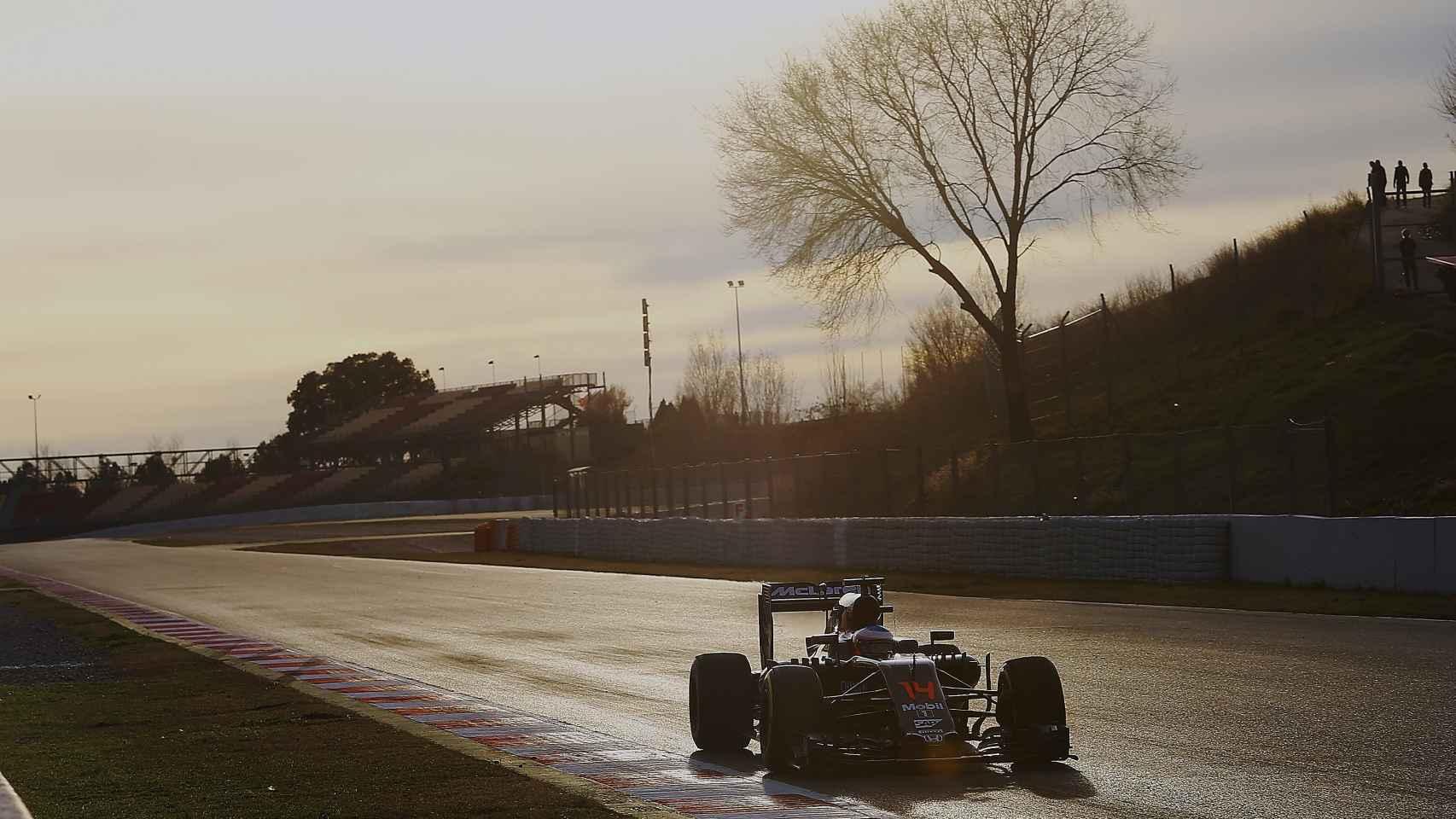 Alonso durante los entrenamientos de este martes en Montmeló.