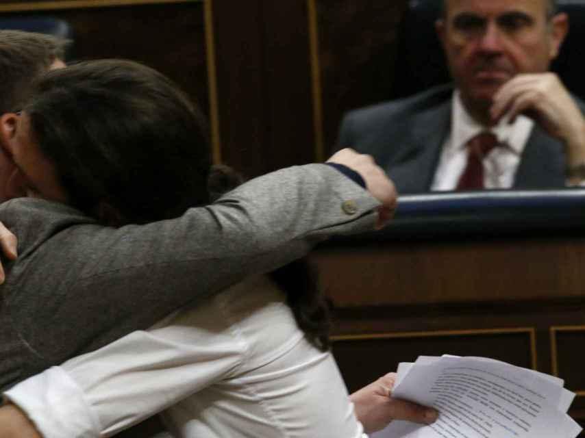 Guindos, testigo del beso entre Domenech e Iglesias.