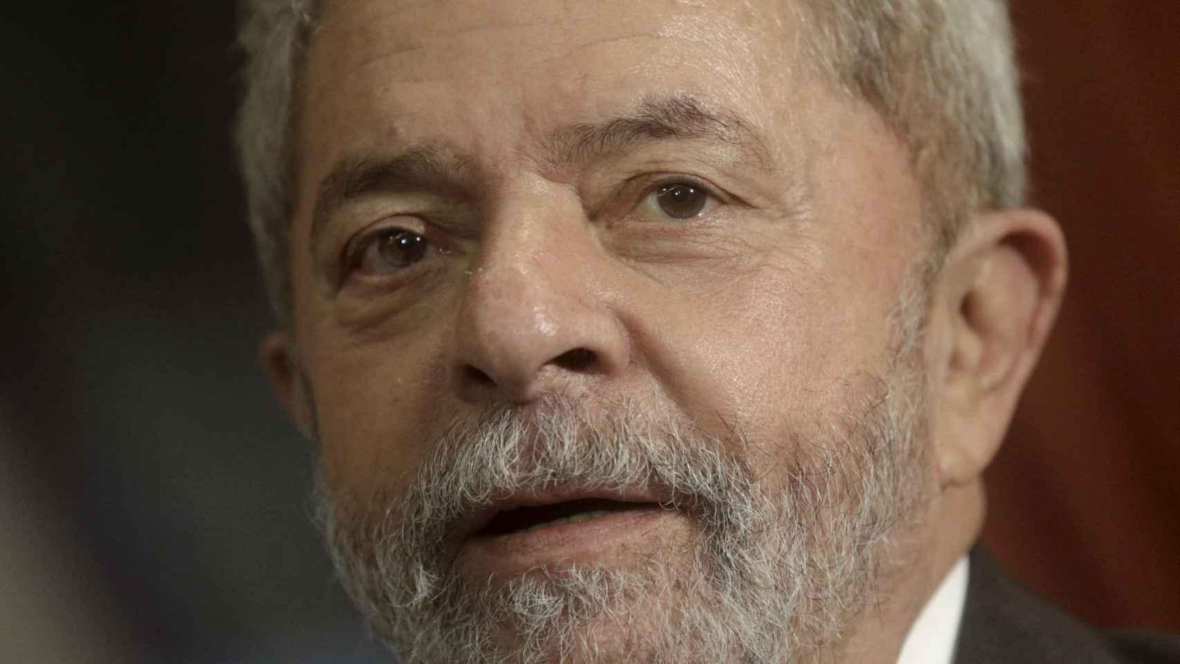 La policía brasileña se lleva al expresidente Lula da Silva a declarar