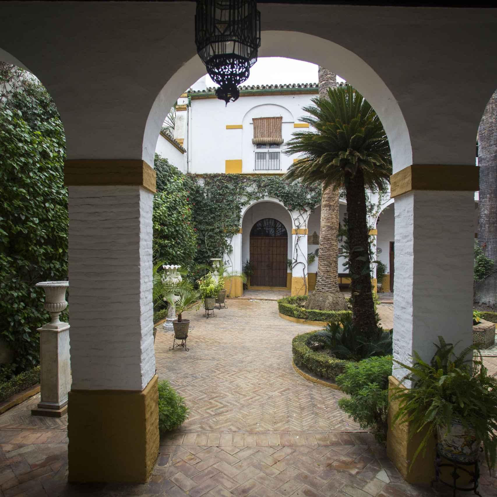 Palacio de Dueñas -FR- 13