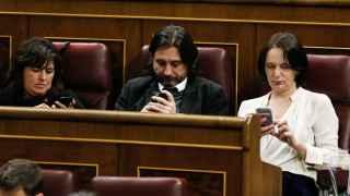 Los diputados de Podemos durante el debate de investidura