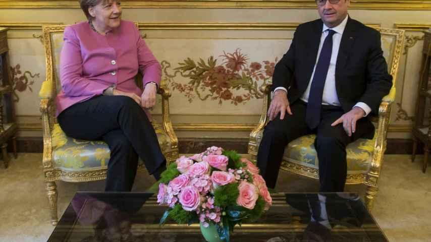 Merkel y Hollande se reúnen en el Elíseo de cara a la cumbre del 7 de marzo con Turquía.