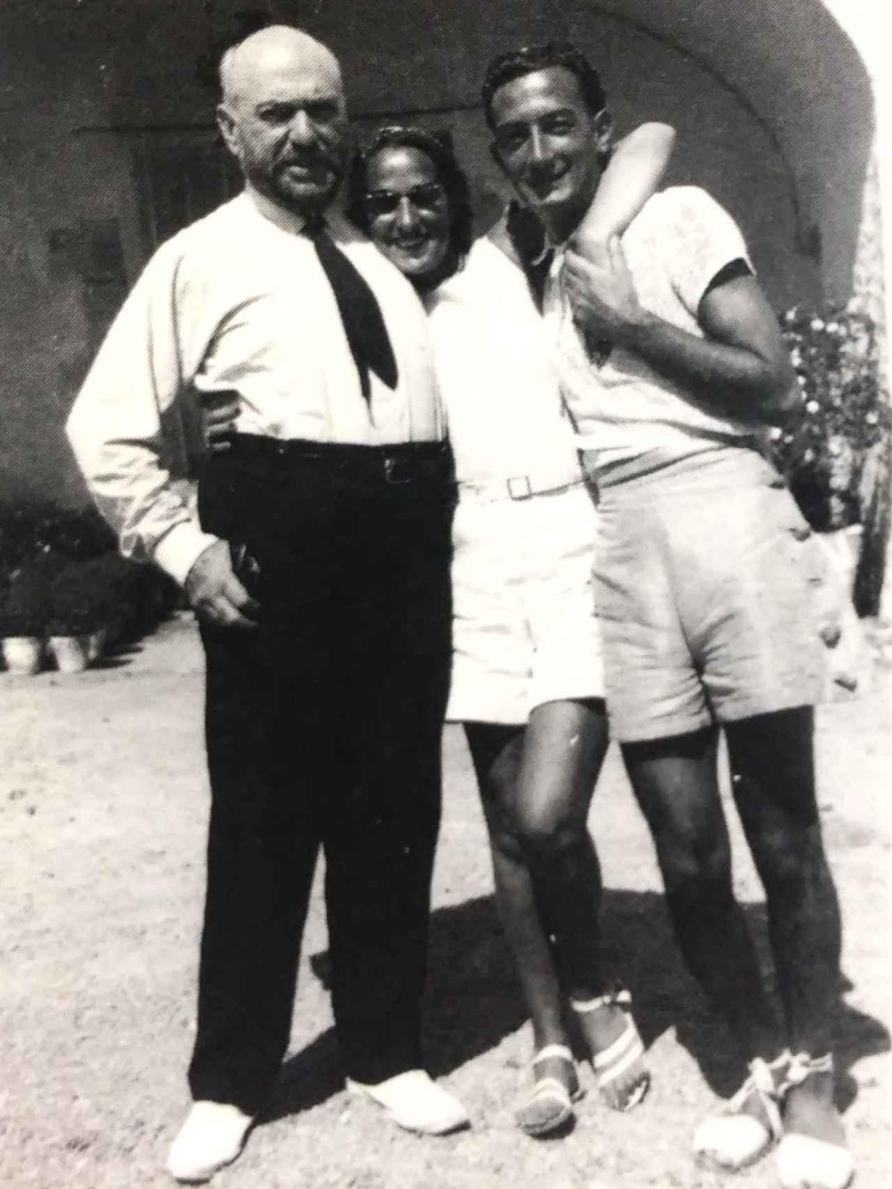 Sert, Gala y Dalí, en la Costa Brava, en 1934.