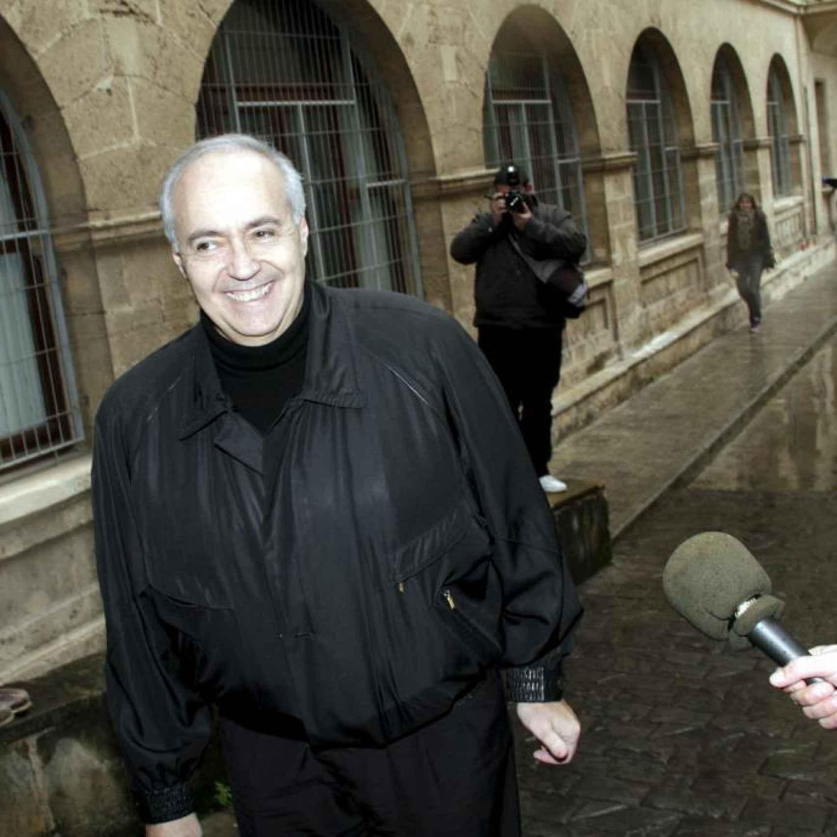 José Luis Moreno llega al juzgado para declarar por el 'caso Palma Arena', en enero de 2011
