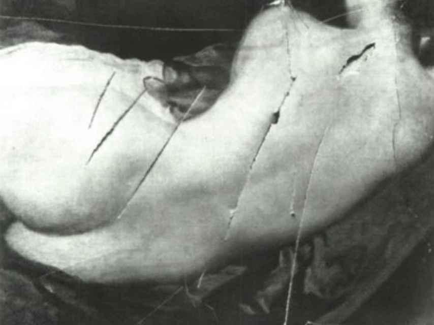 La Venus del espejo de Velázquez acuchillada por la activista Mary Richardson