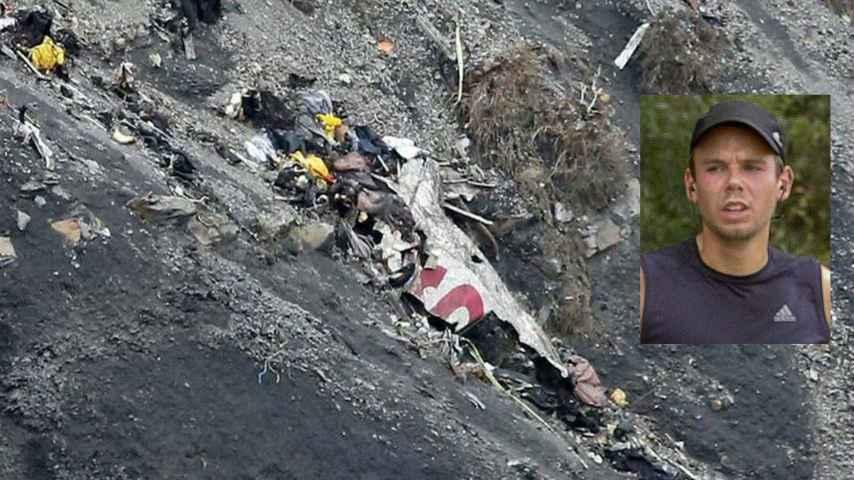 Restos de la tragedia aérea y foto del piloto, Andreas Lubitz.