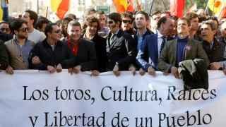 Multitudinaria manifestación en defensa de los toros en Valencia
