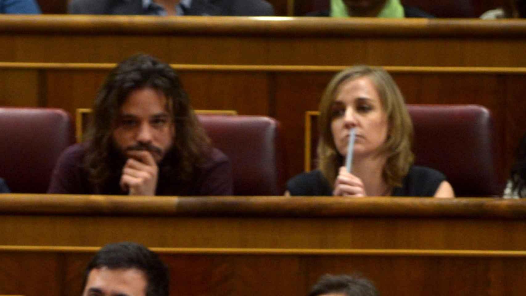 Miguel Vila y Tania Sánchez son vecinos de escaño en el Congreso de los Diputados