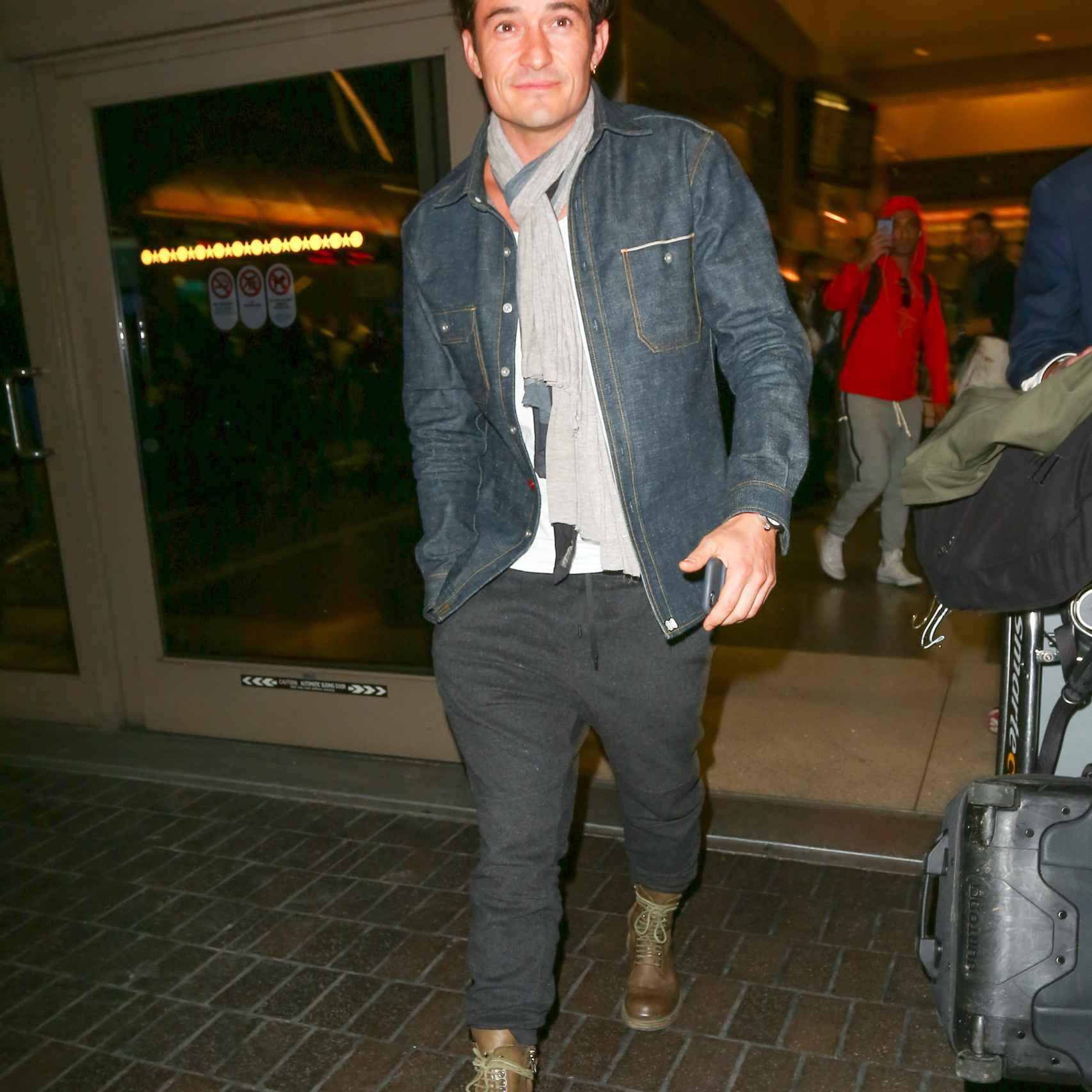 Orlando Bloom en el aeropuerto de Los Ángeles