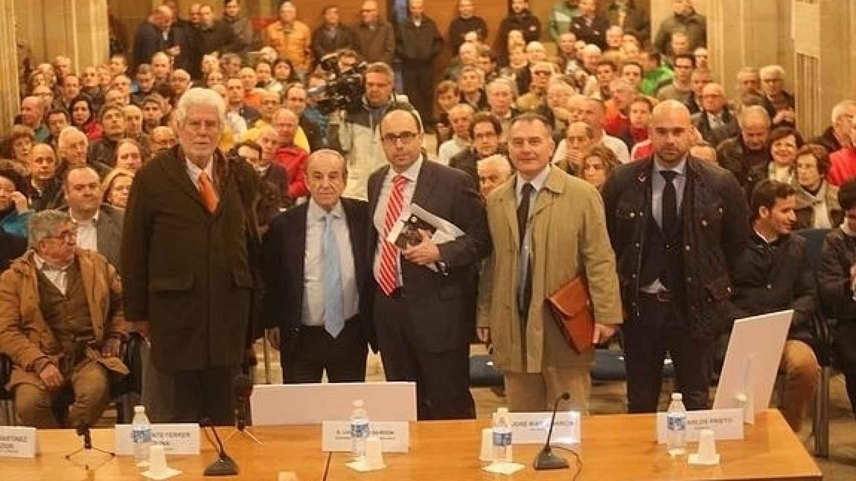 Acto de presentación en Gijón del libro  'Buenas noches y saludos cordiales'