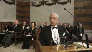 Mario Vargas Llosa en la sede de la Academia en Madrid