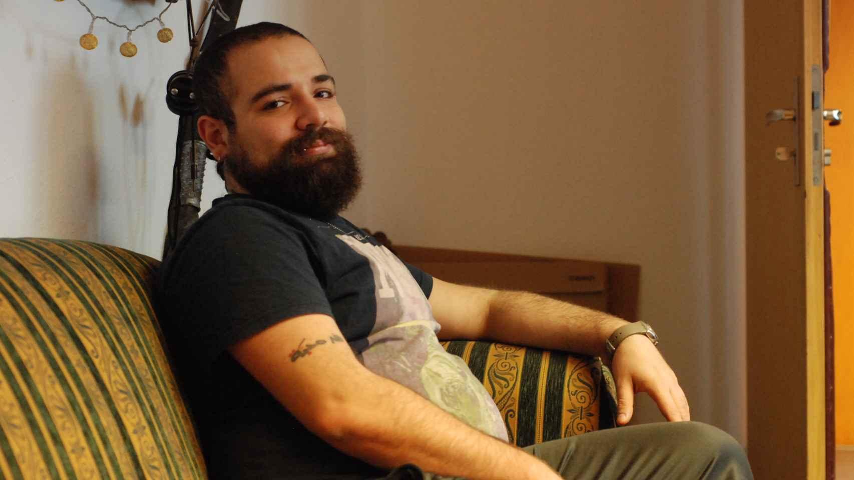 Firas Alshater fue preso del régimen sirio y de los terroristas antes de hacerse famoso en Berlín.