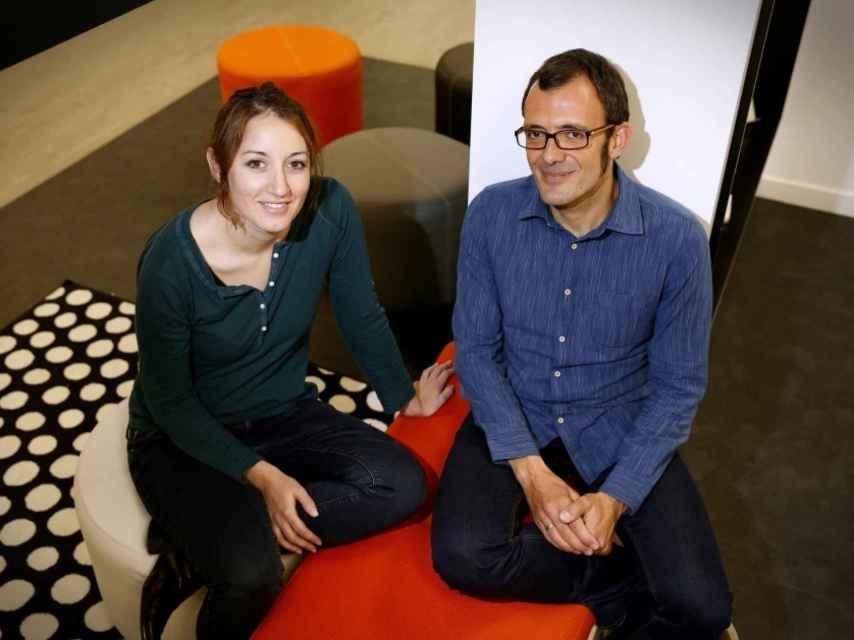 Los autores del cómic, Isaac Rosa y Cristina Bueno.