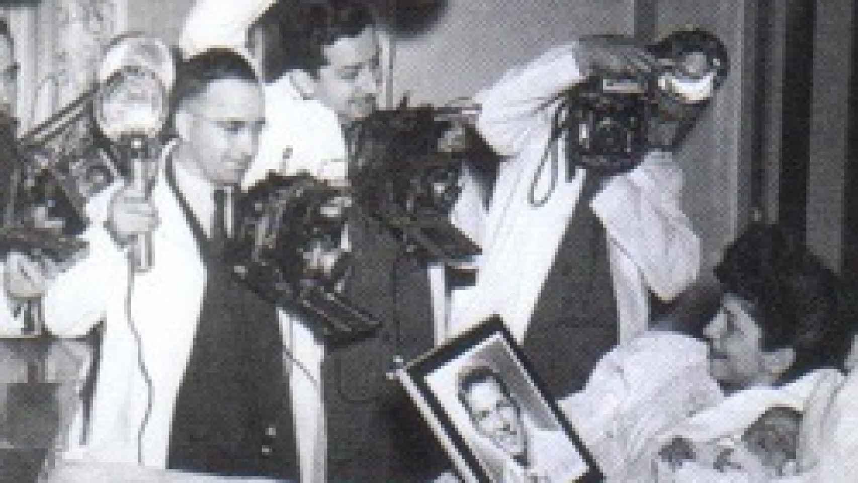 Frank Sinatra Jr. apareció en los medios al día siguiente de su nacimiento