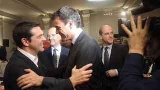 Sánchez y Tsipras durante su encuentro este jueves