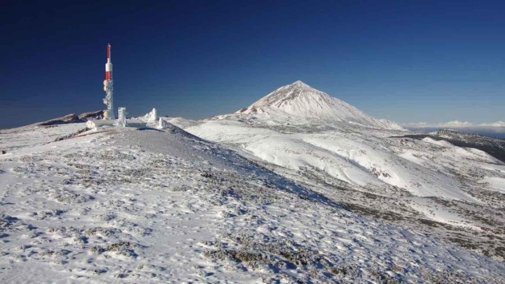 El Teide y el observatorio de Izaña.