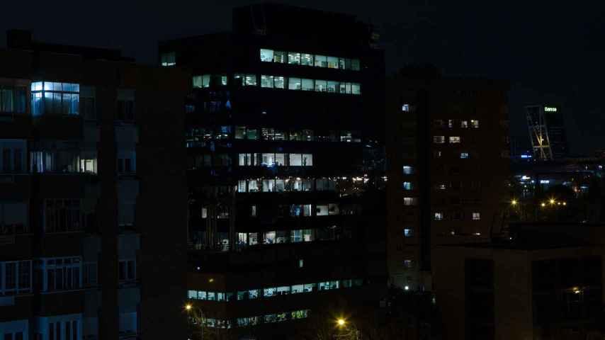 ¿Cómo ahorran en el gasto de las luces nocturnas en las ciudades?
