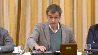 Toni Cantó presidía la comisión de Cultura mientras David Bravo hablaba.