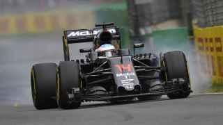 El McLaren de Alonso en los primeros entrenamientos de Reuters