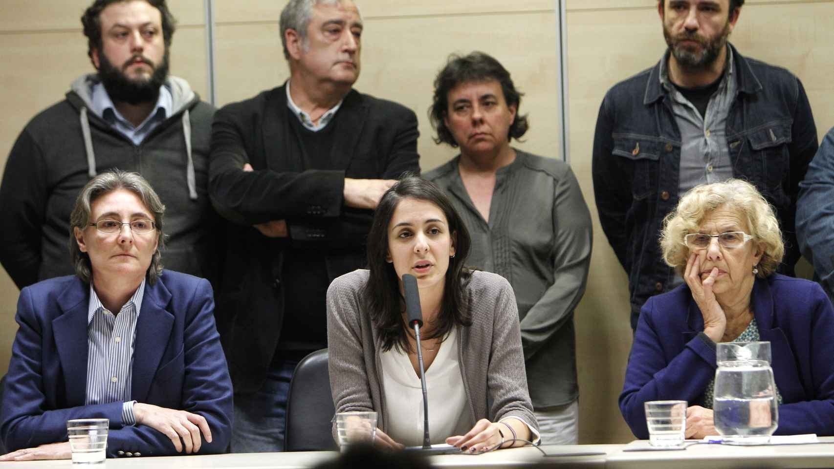 Rita Maestre arropada por Carmena y los concejales de Ahora Madrid