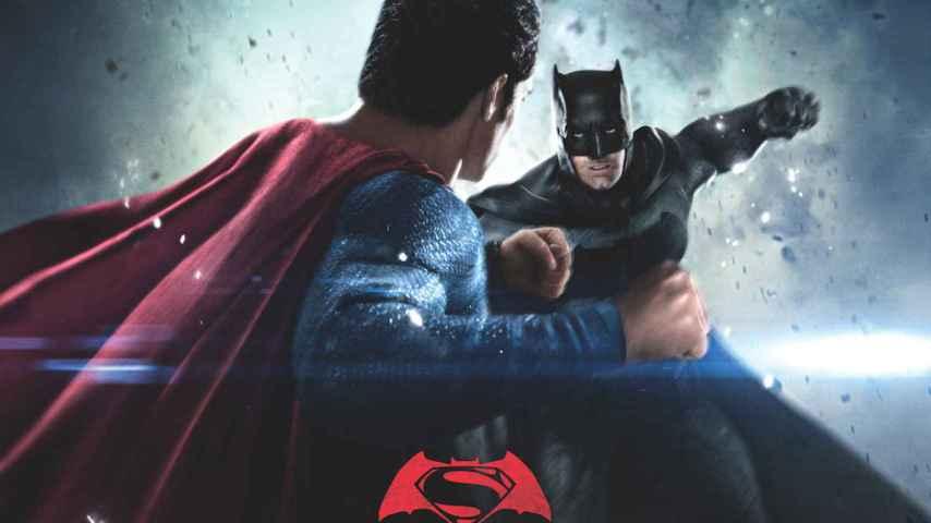Batman contra Superman en una imagen promocional del filme