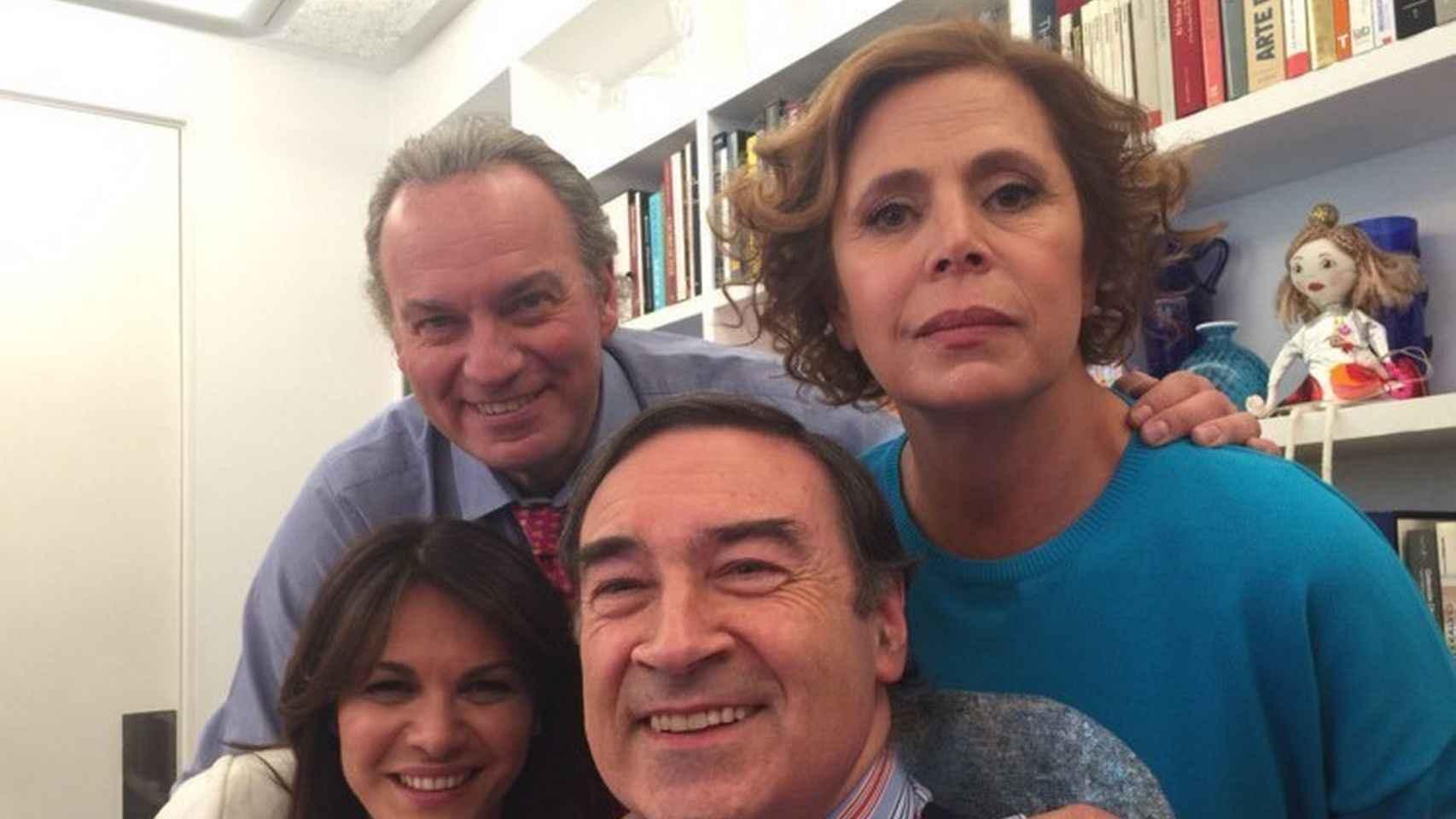 Imagen tomada durante la entrevista a Pedro J. Ramírez y Agatha Ruiz de la Prada