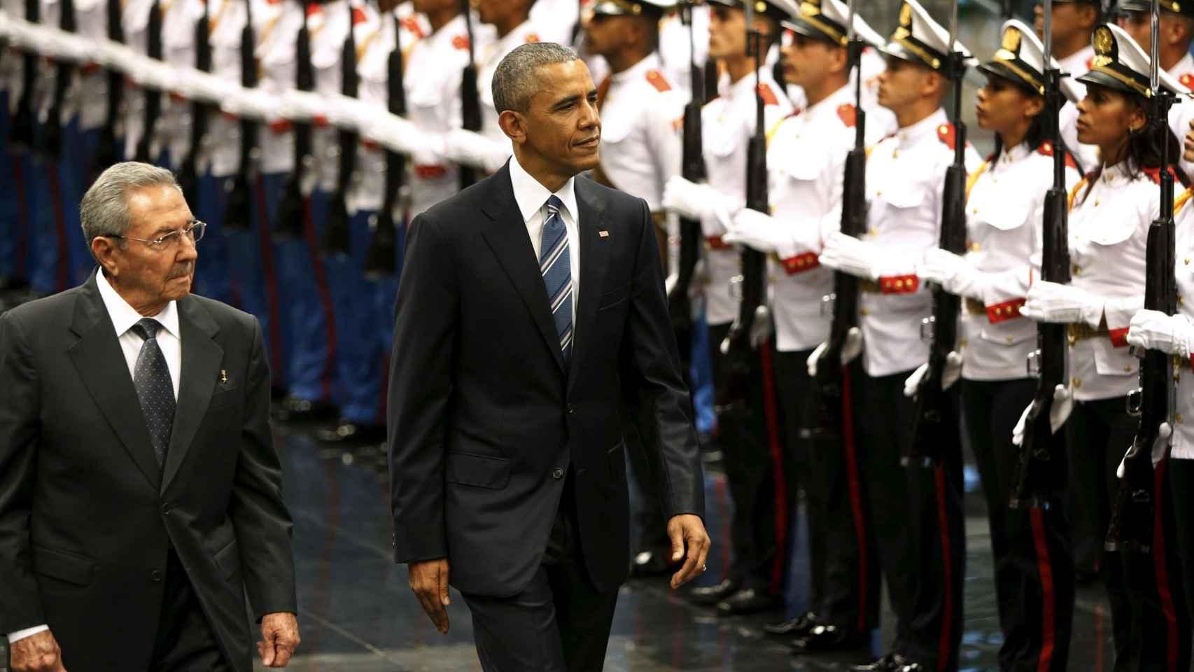 El presidente cubano, Raul Castro, junto a su homólogo estadounidense Barack Obama.