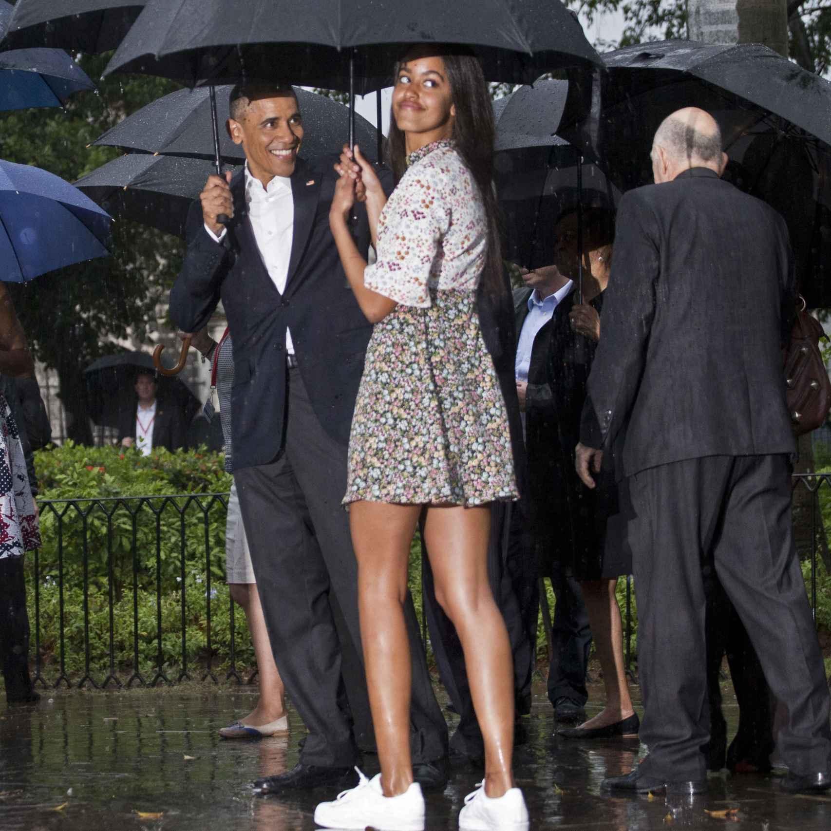 Barack Obama con su hija Malia vestida con las Adidas Superstar