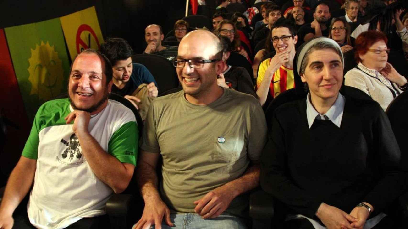 De izquierda a derecha: David Fernández, Joan Coma y Teresa Forcades.