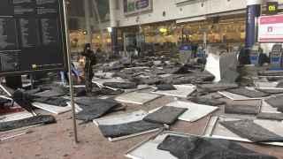 Estado en el que quedó el aeropuerto de Bruselas tras el ataque del martes.