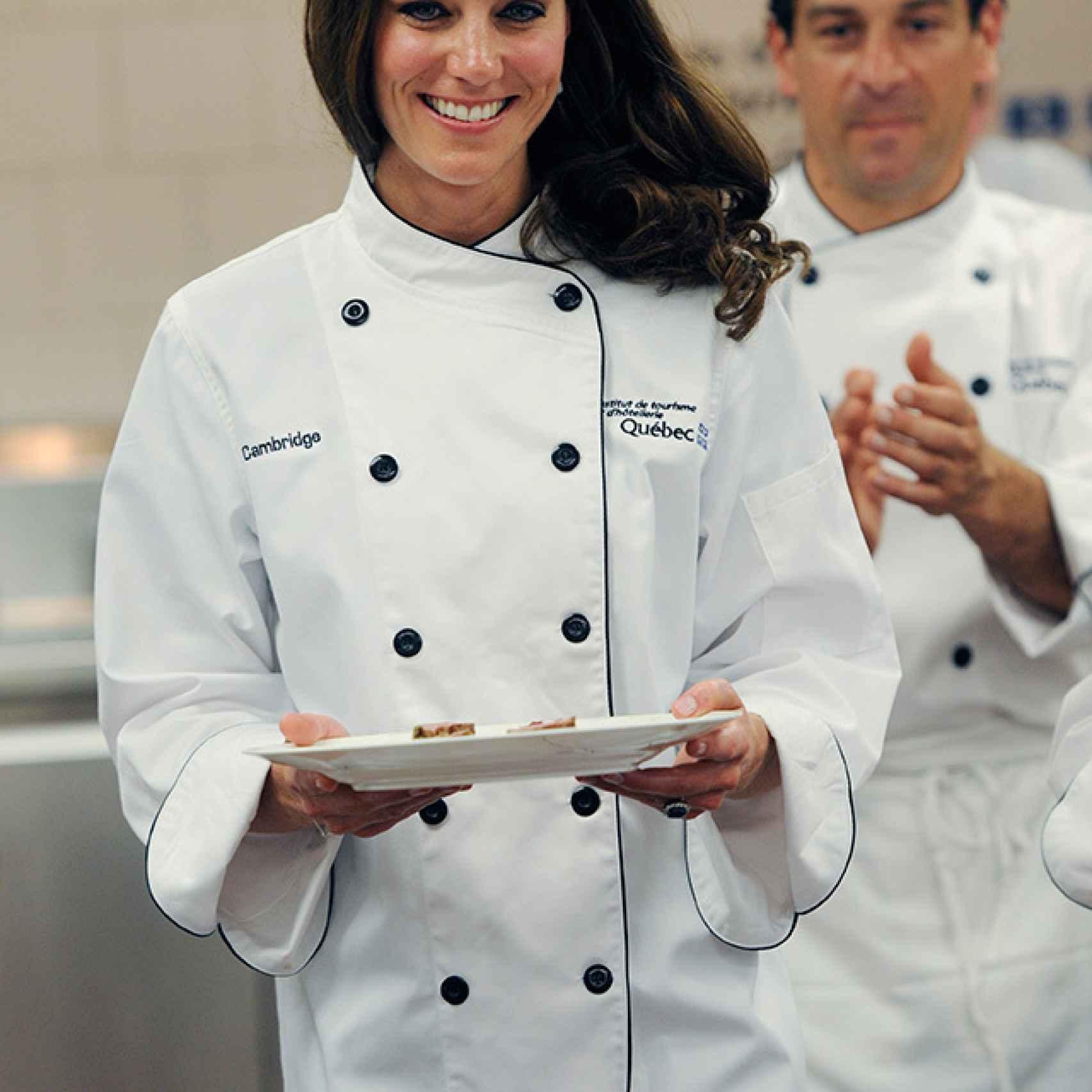 Kate Middleton aprendiendo a cocinar en el Leiths School