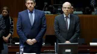 Los ministros del Interior y de Justicia de Bélgica guardan un minuto de silencio durante la reunión de la UE